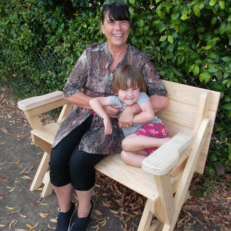Compact folding picnic table  ($5 value plans)