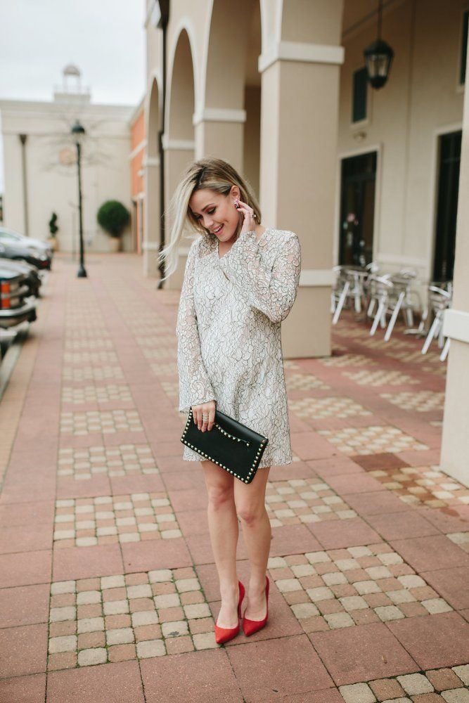 Valentine's Day outfit | Romantic dress | Date night outfit | Bell sleeve dress | Maternity outfit | Uptown with Elly Brown