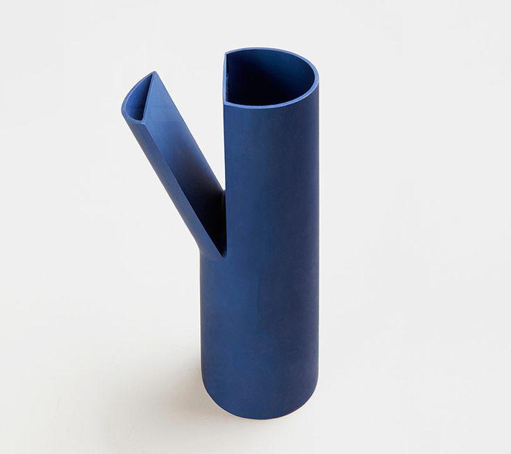 chop carafes by michael schoner - designboom | architecture & design magazine