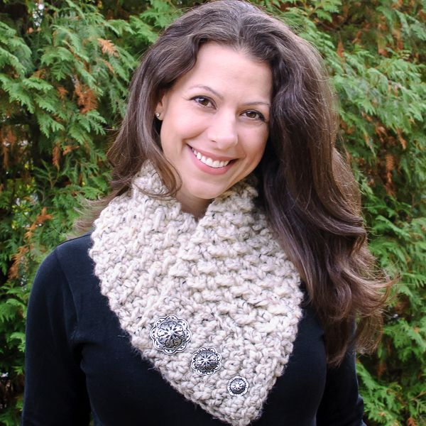 Quick and Comfy Crochet Scarf Pattern #scarfie #crochet #pattern @lionbrandyarn