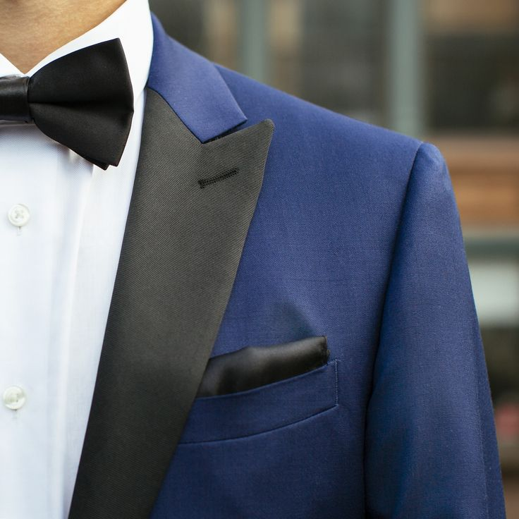 Classic in style, modern in color: a #CalvinKlein blue & black tuxedo.