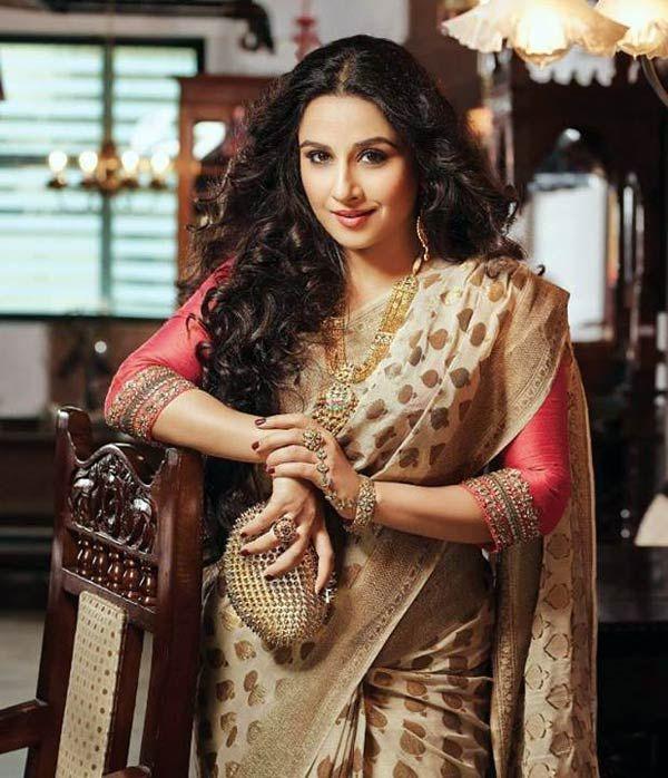 Vidya Balan in a classy saree! - Bollywoodlife
