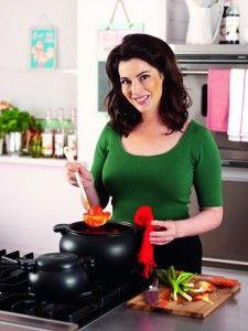 """Nigella """"Yemek yemeyi sevmeden iyi yemek pişirilebileceğine inanmıyorum."""""""