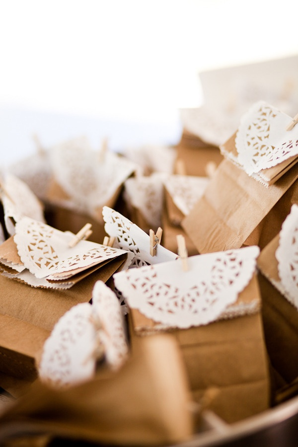 paper packs with paper doilys - good idea!