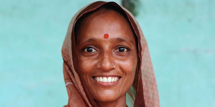 "Hint kültürünün önemli parçası ""bindi"" hayat kurtarıyor https://gaiadergi.com/hint-kulturunun-onemli-parcasi-bindiler-hayat-kurtariyor/?utm_content=buffer41517&utm_medium=social&utm_source=pinterest.com&utm_campaign=buffer #bindi #hindistan"