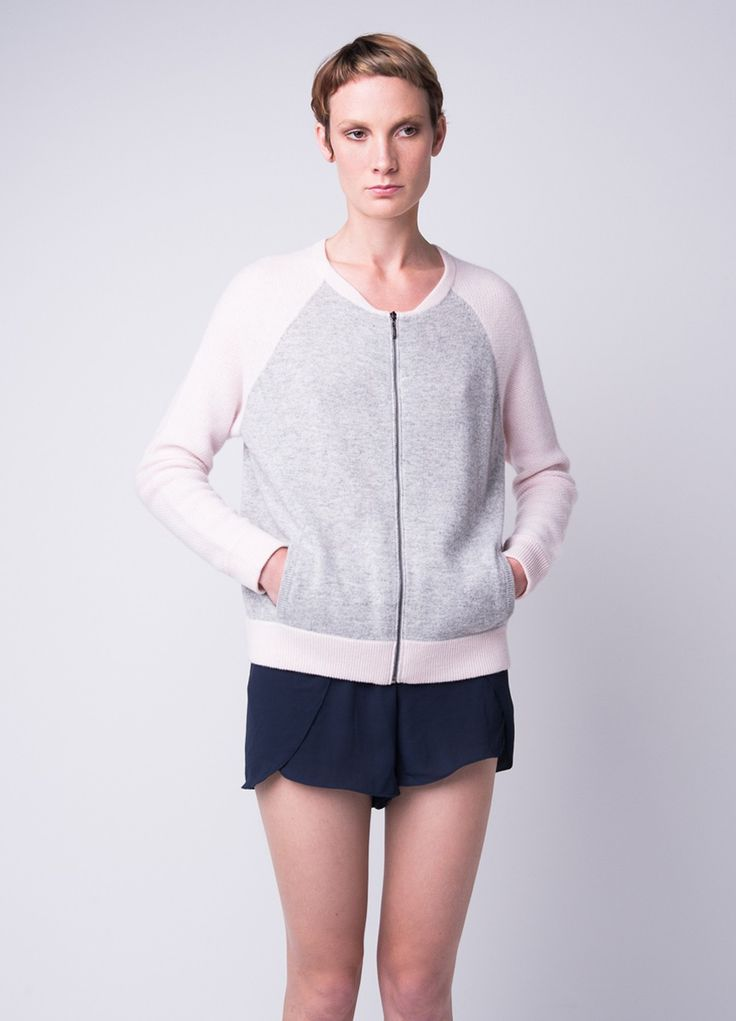 Pure cashmere bomber jacket with side pocket!
