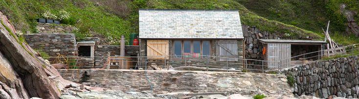 Private Beach in South Devon | Beach Hut with Hot Tub