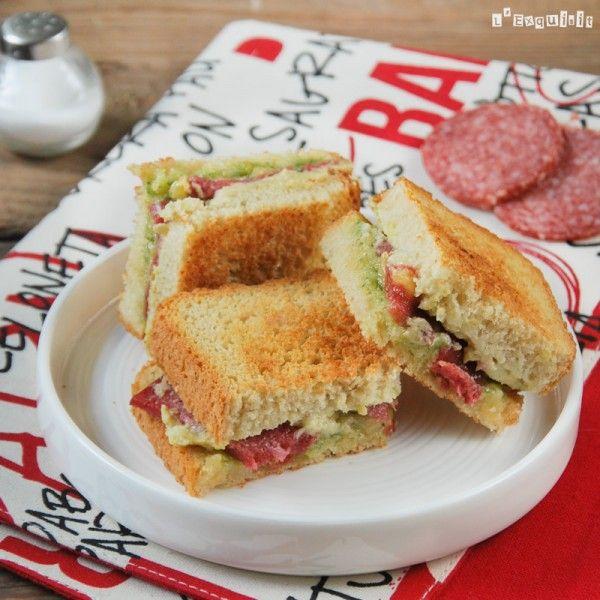 Sandwich de crema de alcachofas, salami y pesto | L'Exquisit