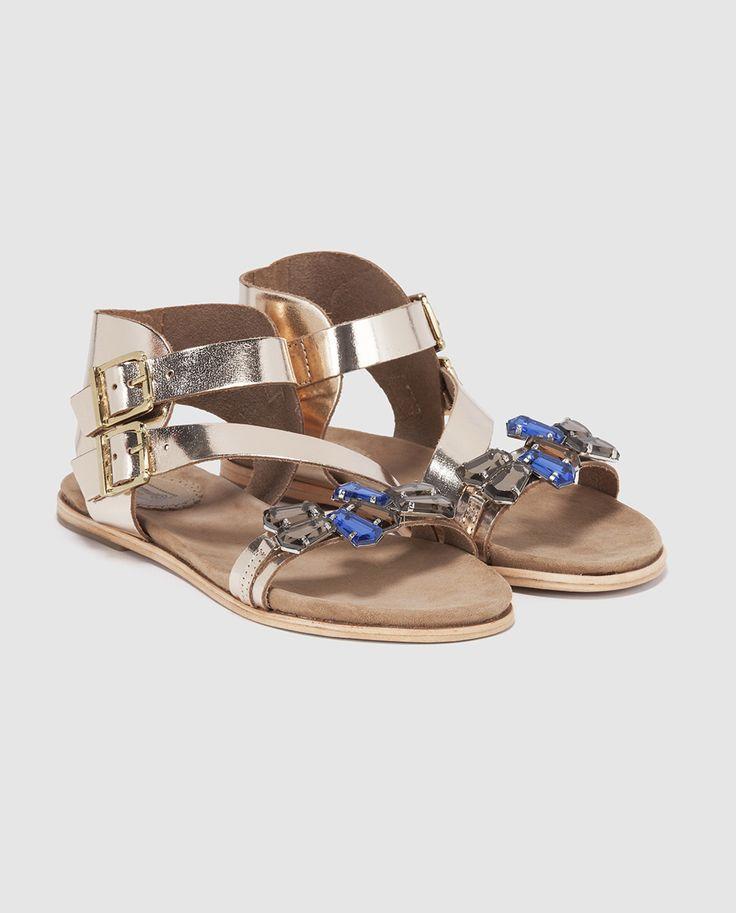 Sandalias planas de mujer Formula Joven doradas con adorno de piedras