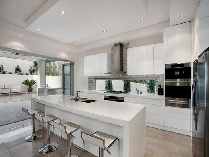 white kitchen window splashback