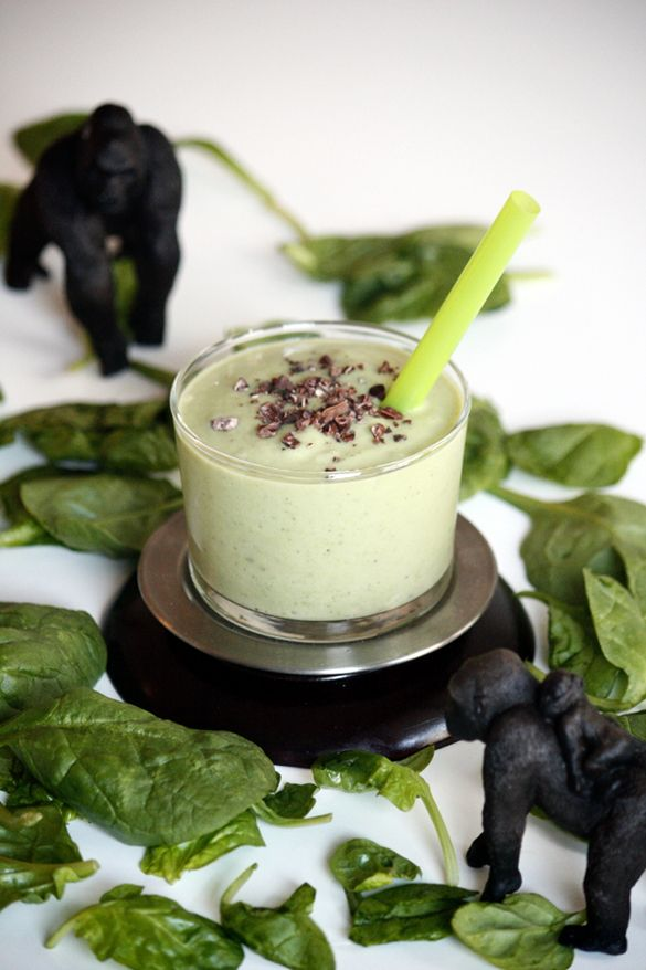 Try our delicious mint choc chip smoothie. We warn you, you will want to make it over and over again! #smoothies #mintchocchipsmoothie