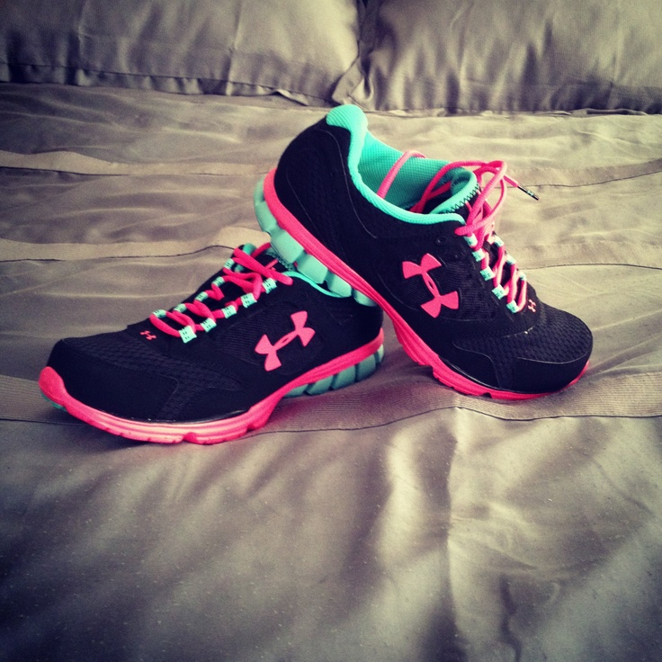 Love Under Armour Sneakers