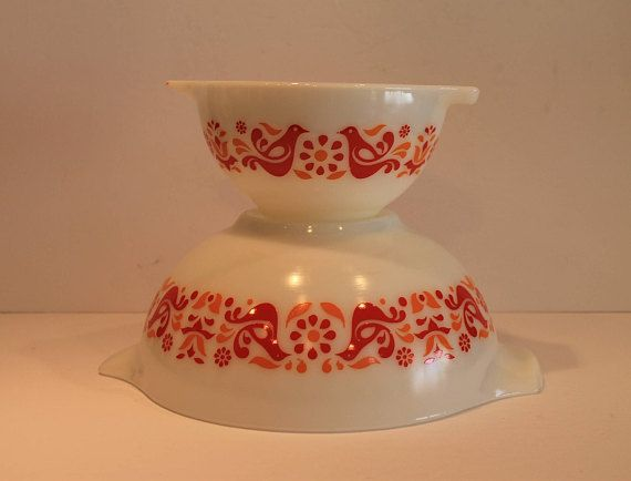 Friendship Birds Pyrex  Red and Orange Bird Pyrex Bowls. FunkieFrocks on etsy. Coupon code SPRING17 for 20% off.
