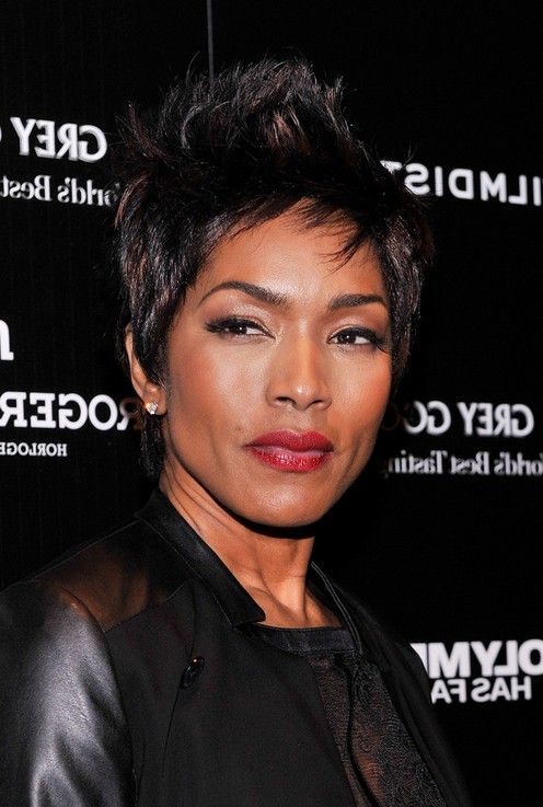 American Horror Story GIFs - Find & Share on GIPHY  |Angela Bassett American Horror Story Hair