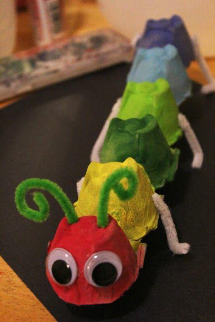 bricolage-avec-carton-d'oeufs-chenille-multicolore-facile-à-faire