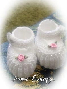 d80e4c428 Hoje trouxe esta fofura de sapatinho feito pela Ivone Suenaga que teceu  para filha de uma colega dela!! Ficaram lindos Ivone! Perfeitos