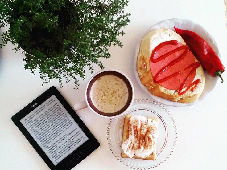 #breakfast #kindle #mug #gofry #cappuccino