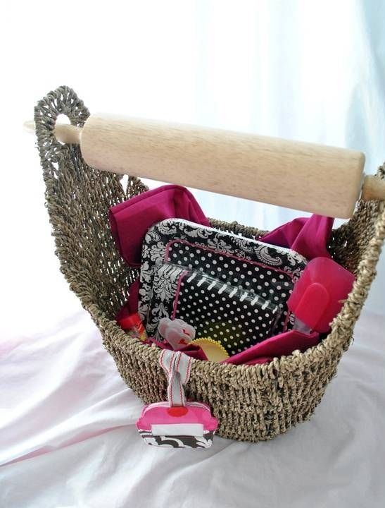 Rolling pin! What a great idea for a Thirty One Small Magazine Basket (item# 3019)! This is another great way to use a Thirty One product as a great gift. You could also use this bag in the bathroom for magazines and hang toilet paper on it for storage. Many different uses!