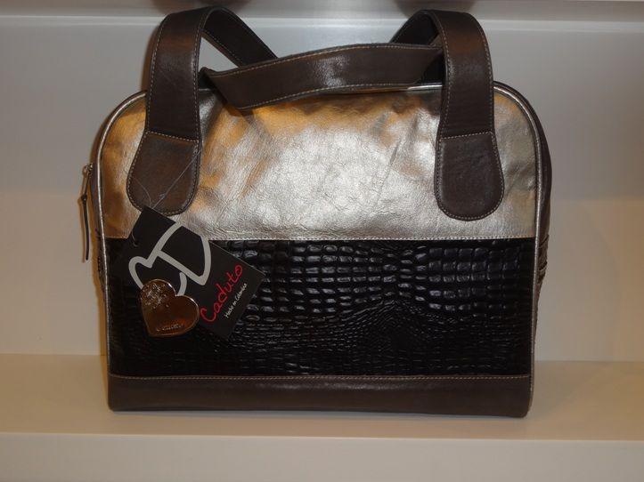 En @camomille_co encontrarás bolsos que están de moda, de la marca #Caduto.
