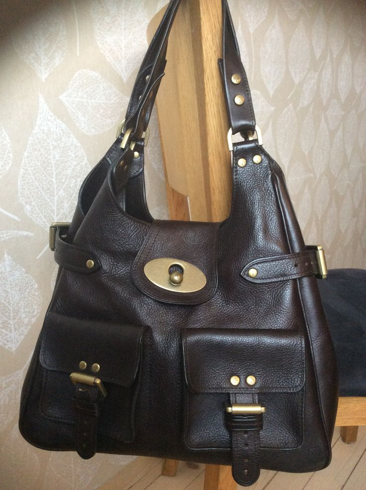 Mulberry Annie in chocolate Darwin leather.