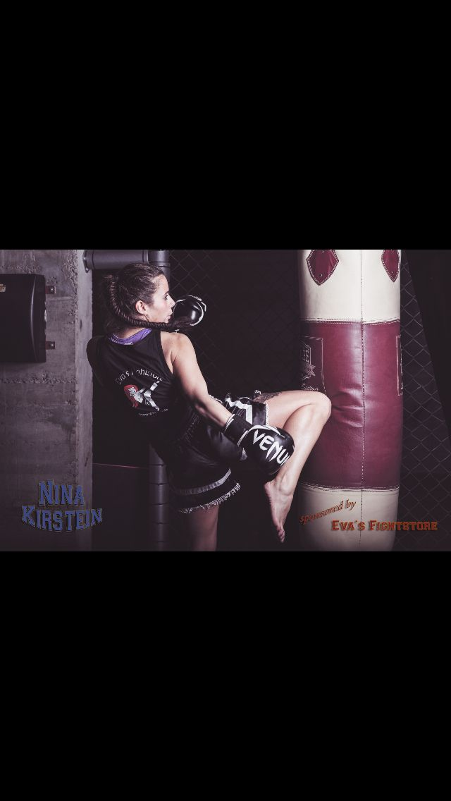 #nina #evasfightstore #venum #thaiboxen #bottrop #sponsored by Eva's Fightstore #boxsack #berlin #evashirt #thaiboxhose #muay #thai #muaythai #kingzgym @jollyrogerphotographyofficial @roger_tigre vielen Dank