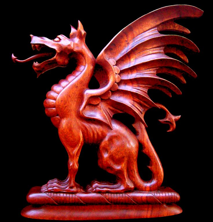 Woodcarving: Dragon Coat-of-arms, Detail