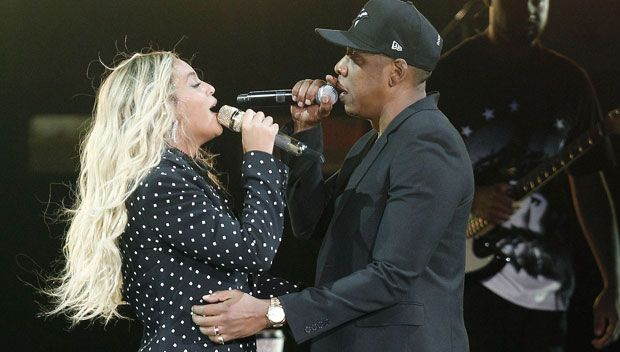 JAY-Z Raps 'Leave Me Alone Becky' While Beyonce Sings 'Amen' In 'Family Feud' Song https://tmbw.news/jay-z-raps-leave-me-alone-becky-while-beyonce-sings-amen-in-family-feud-song  JAY-Z has dropped his first album in four years — appropriately named '4:44' — and we've all been wondering if it was going to involve a response to Beyonce's cheating allegations on 'Lemonade.' Now we have the answer!JAY-Z, 47, has finally responded toBeyonce's narrative onLemonade (2016) that suggested JAY…