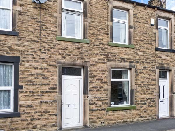 Lemongrass: Lemongrass is a stone-built, terraced cottage situated in the market town of Skipton. This… #holidays #vacations #hotels #hotel