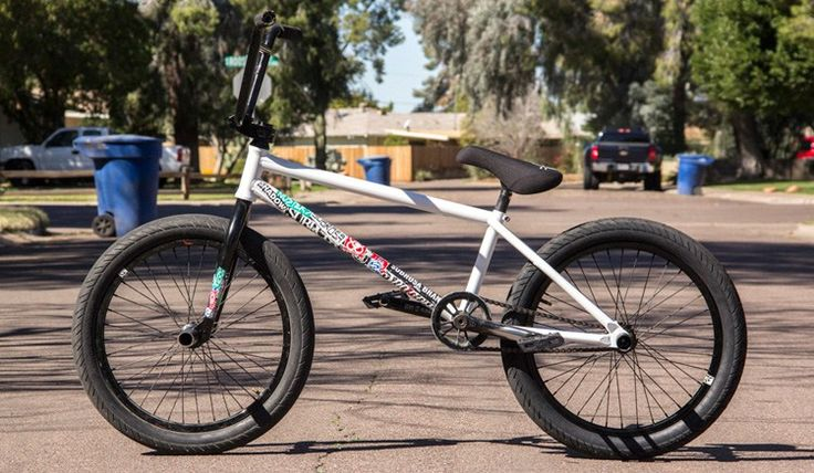 Simone Barraco Bike Check from The Shadow Conspiracy!  http://bmxunion.com/daily/shadow-conspiracy-simone-barraco-bike-check/  #BMX #bike #bicycle #bikecheck #style