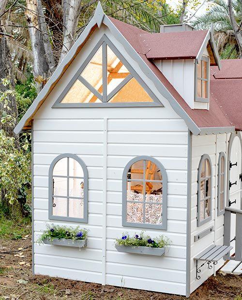 lateral casita de madera para nios para el jardin lugano con ventanas redondeadas y vidriera
