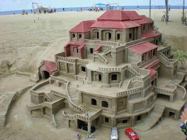 Sand Art- Multi-Level House/Condo w/ Red Roof found on cdn.goodshomedesign.com