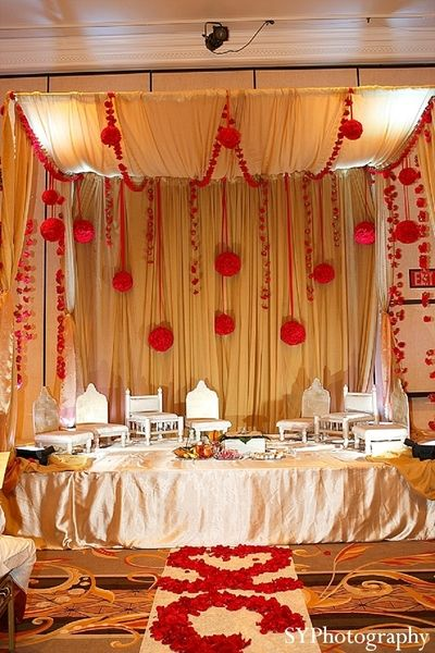 An Indian bride and groom wed in a traditional ceremony in Las Vegas, NV.