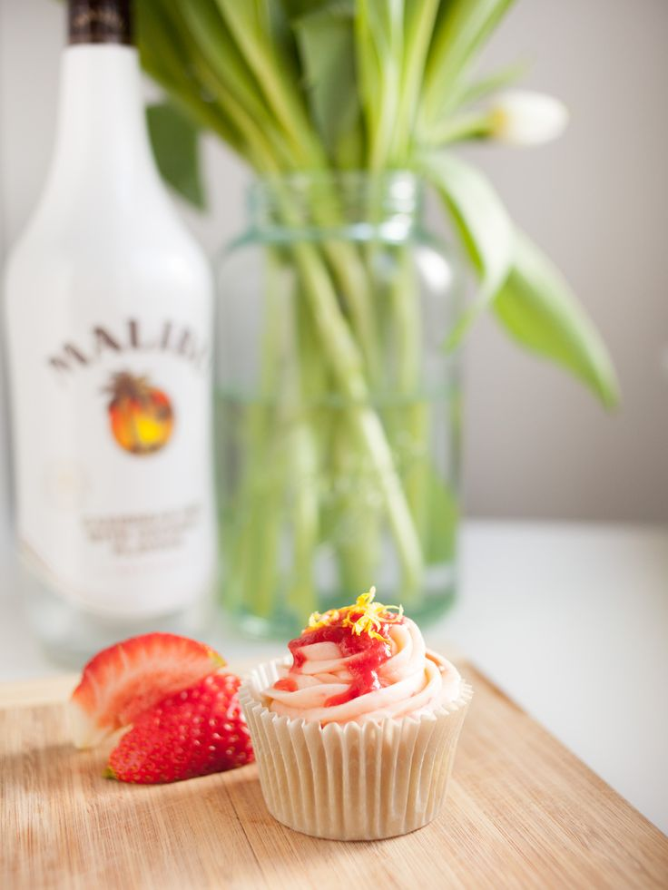 Preparing to release my new Cocktail Cupcake Menu! Rum & Raspberry By Cake Me! Oslo  www.facebook.com/cakemeoslo or email at cakemeoslo@gmail.com for enquiries or orders