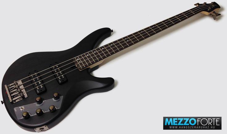 Yamaha TRBX504 Translucent Black 4-húros basszusgitár