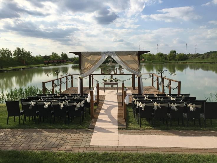 wedding near lake  tóparti esküvő
