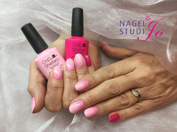 https://flic.kr/p/F7snNS | Gelnagels | Brisa met Be Demure, Tutti Frutti en additive Twinkle Pink