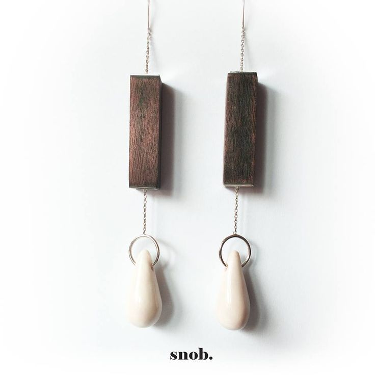Wood and porcelaine silver earrings #snob #snobdot #jewelry #earrings #wood #porcelaine