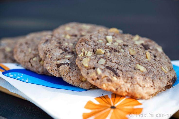 Snadder uten gluten: Den perfekte snaddermaten til påske - cookies med peanøtter og sjokolade!