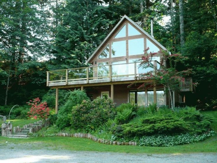 3 Bedrooms, 2 bathrooms in Quadra Island, British Columbia and 2 Reviews with Central Heating for $1,295 per week on TripAdvisor