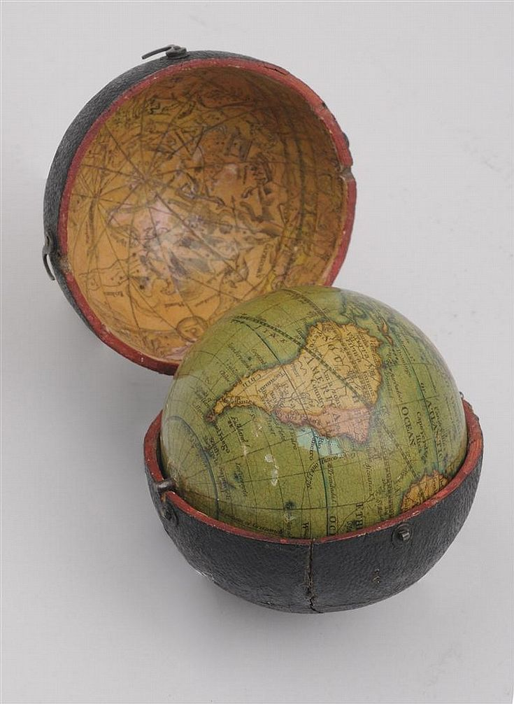 GLOBE~WILLIAMS & HAYDEN POCKET TERRESTRIAL GLOBE AND CASE