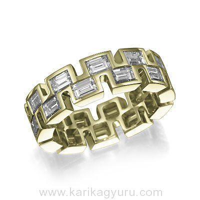 """Egyedi megjelenésű """"végtelen"""" gyémánt gyűrű 18K sárga arany foglalatban összesen 22 db emerald csiszolású összesen 3,40ct súlyú G-H/Si2 minősített gyémánttal"""