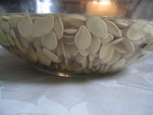Soaking pumpkin seeds to make extra nutritious, extra crispy roasted pumpkin seeds