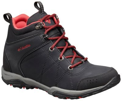Clean yet rugged with a hint of vintage-mountaineering style, this waterproof all-terrain women's boot keeps you comfortable, supported and dry around town or on the trail, featuring a waterproof leather upper and a waterproof-breathable inner bootie that work together to seal out the weather's worst.