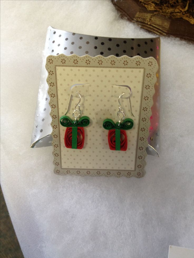 Paper quilled gift earrings.