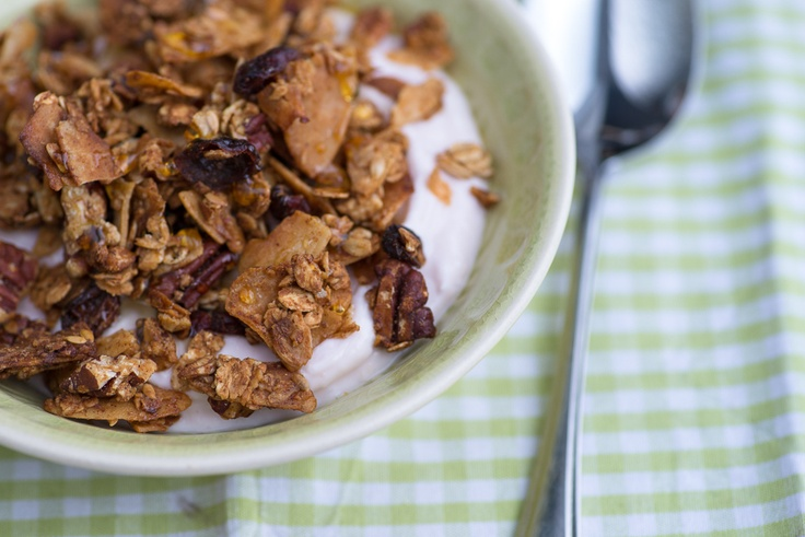 Honey Granola with pecans and coconut