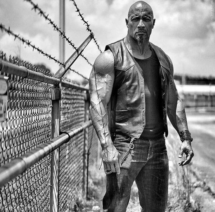 Dwayne The Rock Johnson hat gerade ein Bild aus FF8 ins Netz gestellt, dass einiges zur Geschichte des neuen Auto-Actioners verrät! Fast And Furious 8 Story Spoiler ➠ https://www.film.tv/go/F8hobbs  #F8 #Fast8 #FastAndFurious8