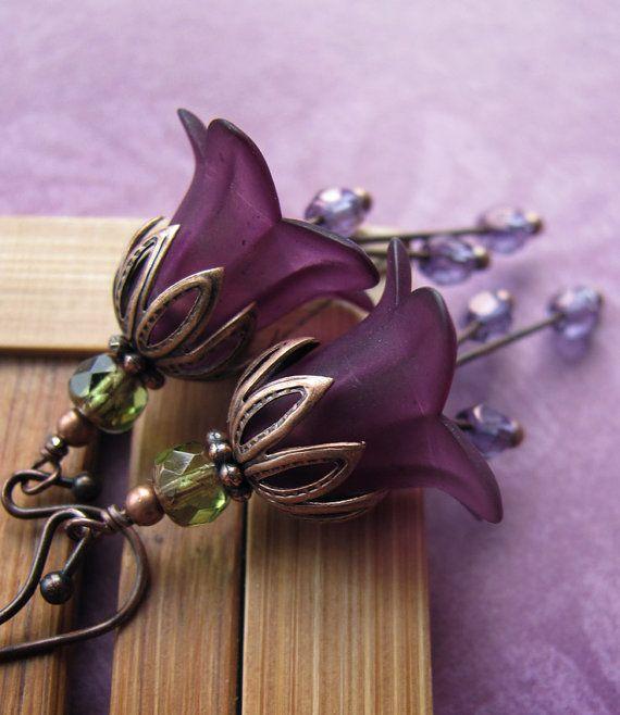 les 25 meilleures id es de la cat gorie verre pourpres sur pinterest vase violet trucs. Black Bedroom Furniture Sets. Home Design Ideas