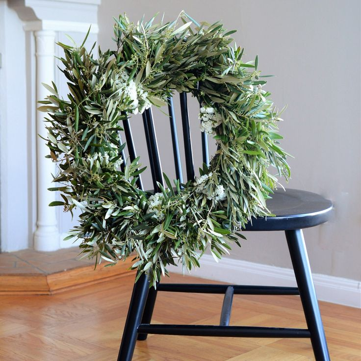 White Statice and Olive Wreath | Summer Wreath | Summer Wreaths for Front Door | Statice Wreath | Door Wreath | Housewarming Gifts | Wreaths by ClubBotanic on Etsy https://www.etsy.com/listing/524796499/white-statice-and-olive-wreath-summer