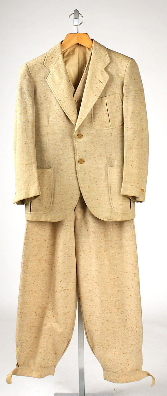 1930s Suit ~ very similar to the outfit worn in Ruddigore