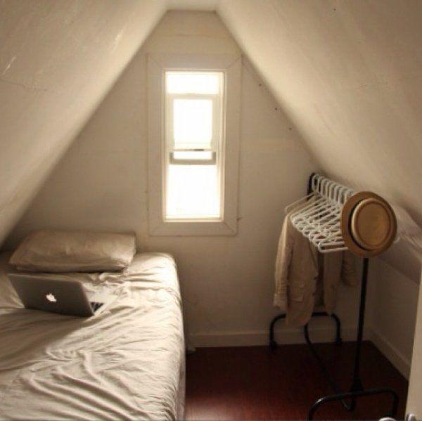 今話題のミニマリストの部屋。インテリアSNS「RoomClip」で開催中の「モノ持たない暮らし-ミニマリストの部屋-コンテスト」から実際に投稿された部屋を厳選して紹介します!